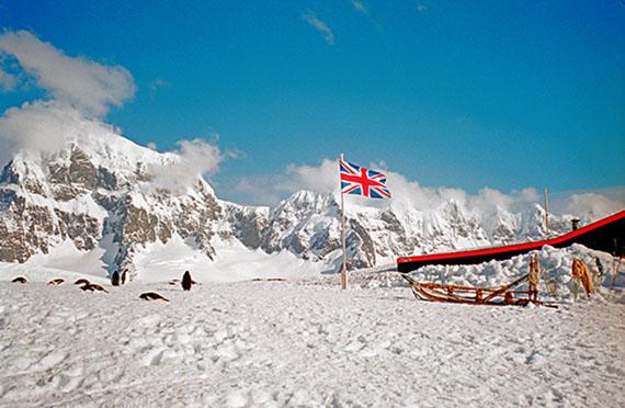 Martin Mlecko: Britische Station Port Lockroy in der Antarktis, 2002