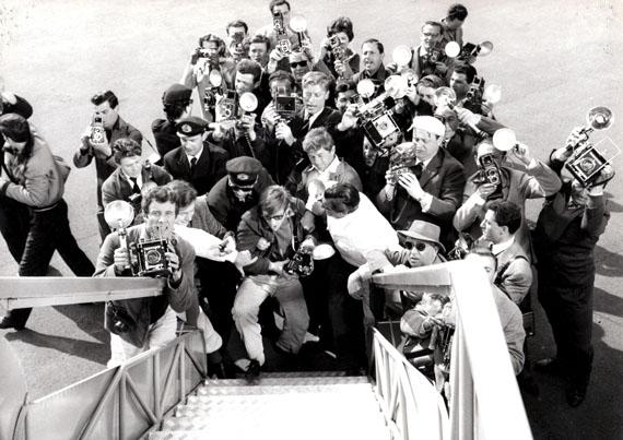 Anonym: Anita Ekberg à la sortie de l'avion, 1959, Collection Michel Giniès