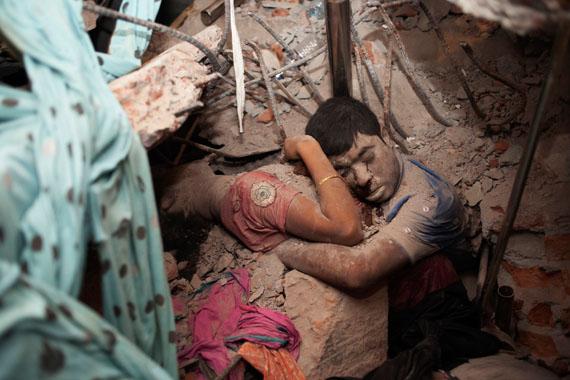 Taslima Akhter, Bangladesh3rd Prize Spot News Singles 25 April 2013: Two victims amid the rubble of the garment factory collapse at Rana Plaza, Savar, Dhaka, Bangladesh.