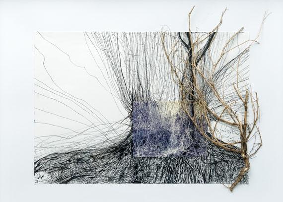 Regina Anzenberger: EXTENDED, 2012, Pigmentprint, Tusche, Fundstücke, 50 x 60 cm, Edition 1/1