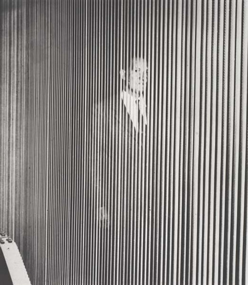 JOHN BALDESSARI (USA)Figure (with Vertical Lines), 1999Venue : Wall of the former prison of Vevey Scenography : 1 photograph printed on a 140 m2 tarpaulin