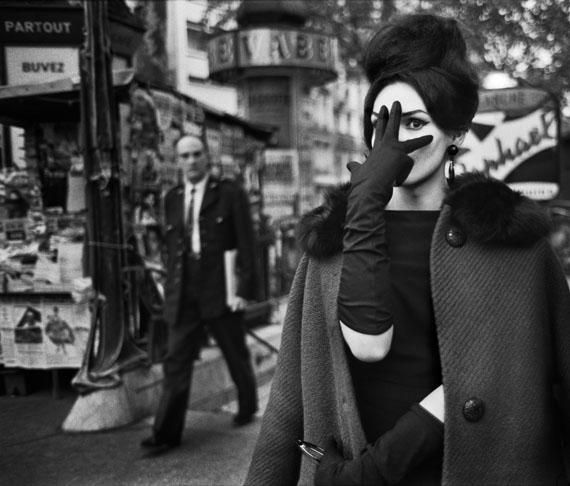 Christer Strömholm. Nana, Place Blanche, Paris 1961. © Christer Strömholm/Strömholm Estate, 2014