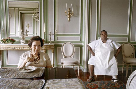 Lamia Maria Abillama: Evelina, 2006, aus der Serie Ladies of Rio, 2006-2007 Archival Pigment Print, 70 x 90 cm, Courtesy Galerie Tanit, München© Lamia Maria Abillama
