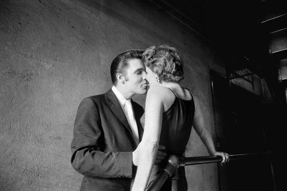 Alfred Wertheimer, The Kiss, Mosque Theater, Richmond, Virginia, June 30, 1956
