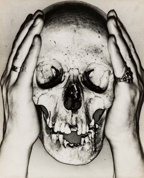 Erwin BlumenfeldSkull, 1932/33Solarisation on gelatin silver paper, 29.6 x 24 cmphoto: Christian P. Schmieder, Munich© The Estate of Erwin Blumenfeld