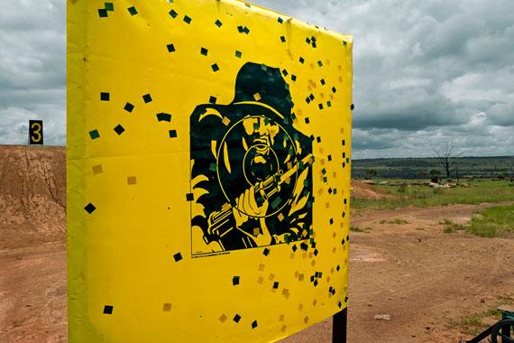 """Herlinde Koelbl: from the series """"Targets"""", Südafrika © Herlinde Koelbl"""
