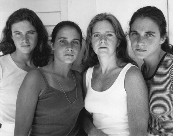 Nicholas Nixon: The Brown Sisters, 1978Sammlung Hoppenstedt© Nicholas Nixon, courtesy Fraenkel Gallery, San Francisco