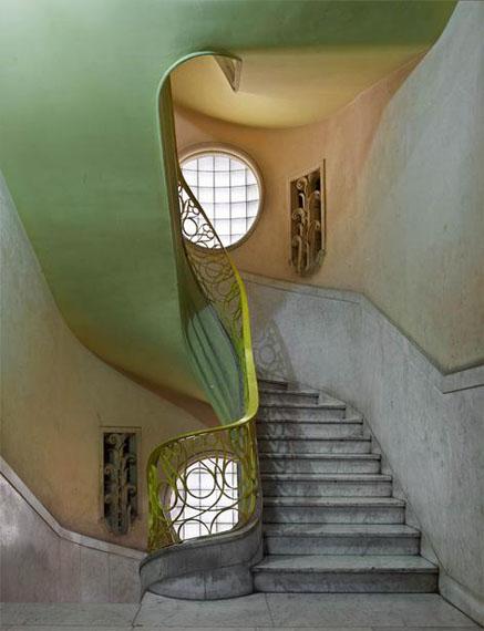 Deco Stairwell #2, Havana, 2014 © Michael Eastman/Courtesy Edwynn Houk Gallery, New York