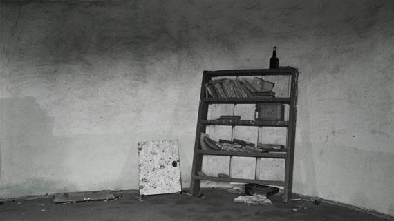 Hannah Collins: The Road to Mvezo. Reading – Umtata, Mandela's Teenage Home, National Monument, 2007-08Digital Fine Art Print, 257 x 457 cm © Hannah Collins