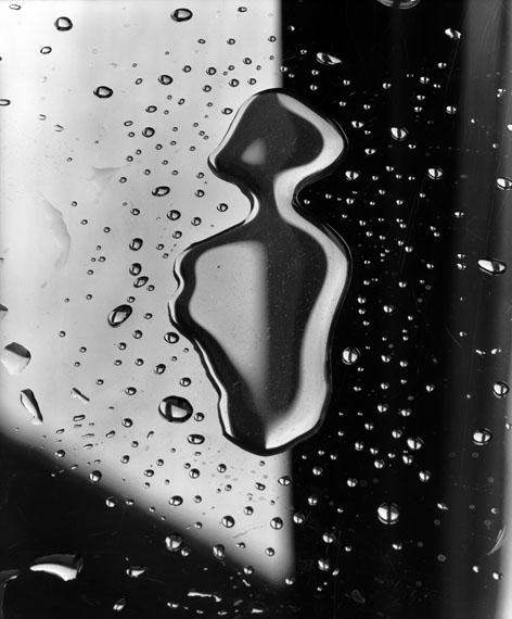 Toni SchneidersWassertropfenSilver gelatin print, 30,0 x 40,4 cm verso signed and stamped© Toni Schneiders Estate / Courtesy of Bernheimer Fine Art