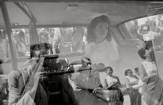 © Max Scheler: 'Media Interest during the arrival of Jacqueline Kennedy, Cambodia 1967'