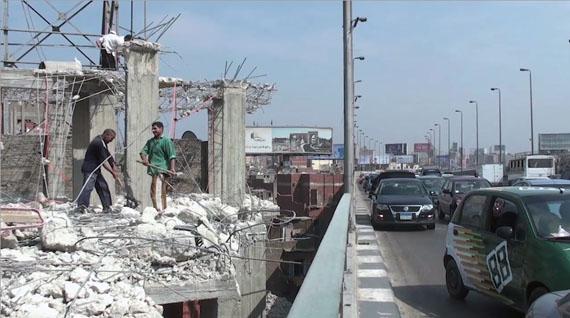 Antje Ehmann, Harun Farocki, Labour in a Single Shot, 2013-2015. Still from Nadah el Shazly, Bridge, Cairo, 2012