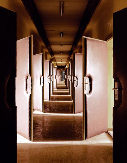 Untersuchungshaftanstalt Hohenschönhausen, Vernehmungstrakt, 2004  © Daniel & Geo Fuchs