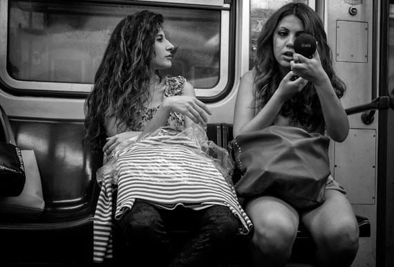 In der Metro, Rom, Juni 2014, 37 x 24,8 cm © Ulrich Weichert