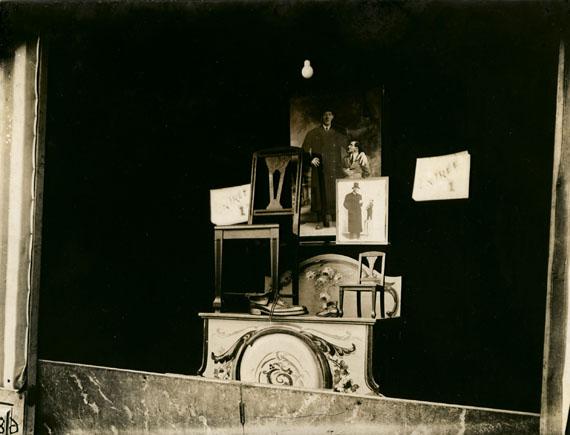 Eugéne AtgetFete du Trone, 1925Courtesy of Edwynn Houk Gallery, New York
