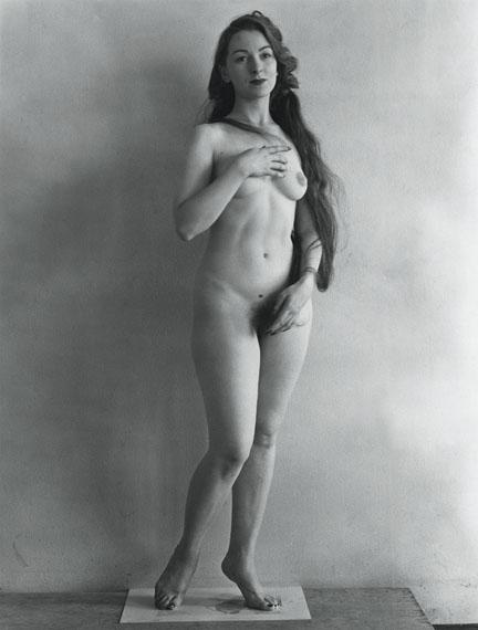 Erwin Blumenfeld: Venus, 1949. © 2015 Henri and Yorick Blumenfeld & Yvette Blumenfeld Georges Deeton