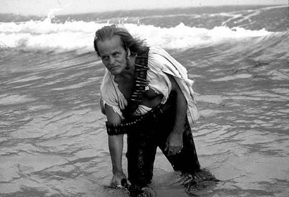 © Beat Presser: 'Klaus Kinski als Sklaventreiber in Werner Herzog's Cobra Verde', Ghana 1987 / Courtesy Johanna Breede PHOTOKUNST