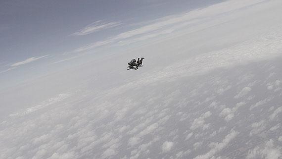 """videostill from """"skyfall"""" (2013), HD video, 4.05 min, Ed. 6"""