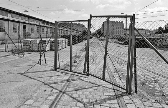 Margherita Spiluttini: aus der Serie: Das Teilgebiet B, Wien, A. Foto 1985© Architekturzentrum Wien, Sammlung. Courtesy die Künstlerin und Christine König Galerie 2015