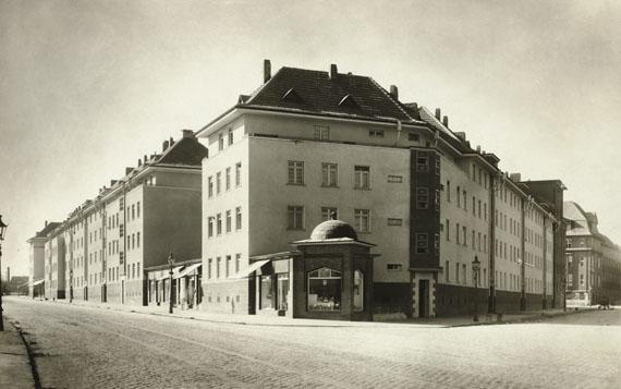 Hugo Schmölz: Weyerstraße/Ecke Höninger Weg, Köln-Zollstock, 1929Die Photographische Sammlung/SK Stiftung Kultur/Dauerleihgabe GAG Immobilien AG, Köln