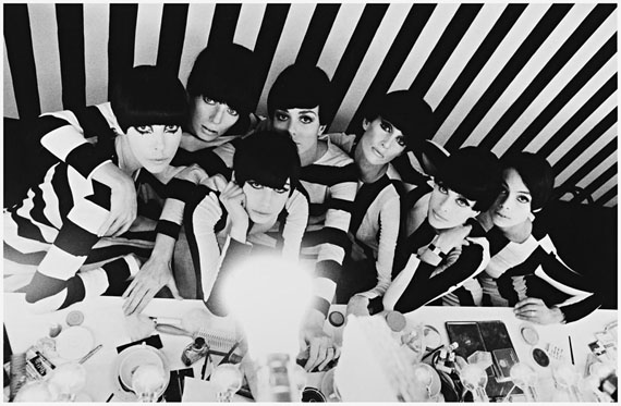 William Klein. Models backstage, film 'Qui-etes-vous Polly Maggoo', 1966