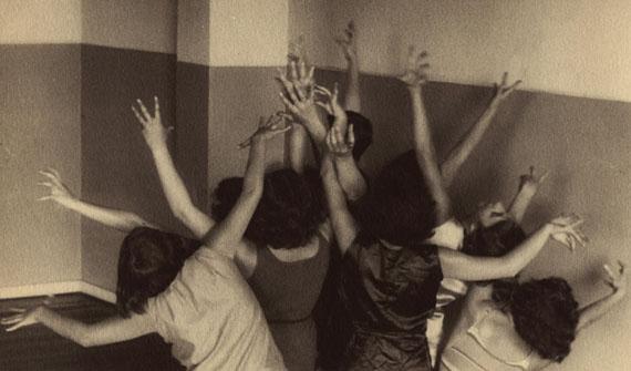 Ilse BingLaban Dance School, Frankfurt, 1929Courtesy of Edwynn Houk Gallery