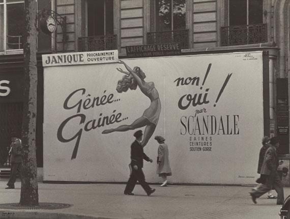 Ilse BingScandale, Paris, 1947Courtesy of Edwynn Houk Gallery
