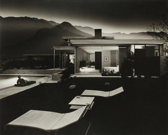 (376) Julius Shulman (1910-2009)House of Edgar Kaufmann (Richard Neutra). Colorado Desert. Palm Springs, 1947. Gelatin silver print, signed and dated.