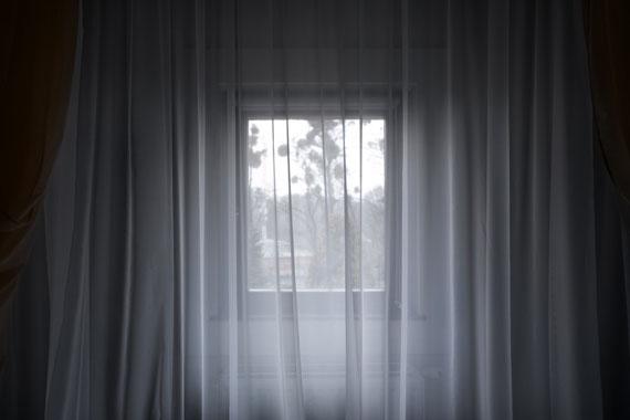 """Roger Eberhard: """"Window #203"""" aus der Serie """"Aussicht"""""""