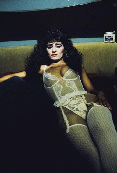 Jeffrey SilverthorneWoman with Lace #1, aus der Serie