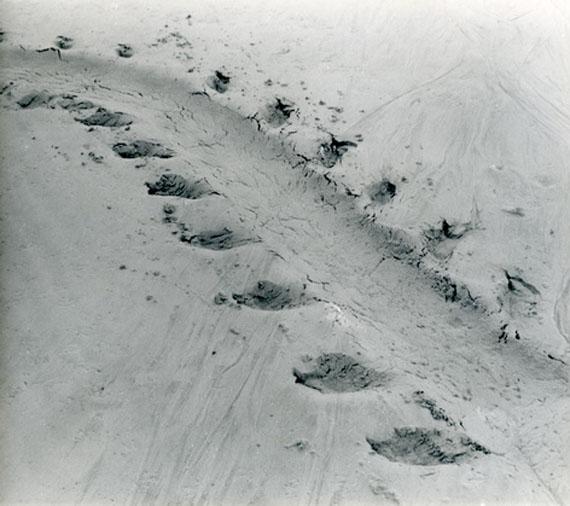 Alfred Ehrhardt: Spur eines Seehundes 1930er/40er Jahre, Silbergelatineabzug, 17,8 x 20,1 cm © Alfred Ehrhardt Stiftung