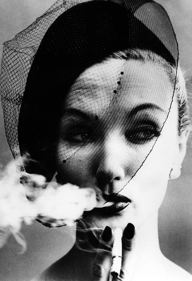 William Klein. Smoke and Veil, 1958