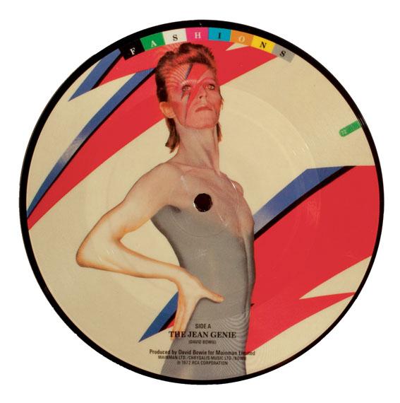 Brian DuffyDavid Bowie, aus Fashions, 1982 @ BOW 100