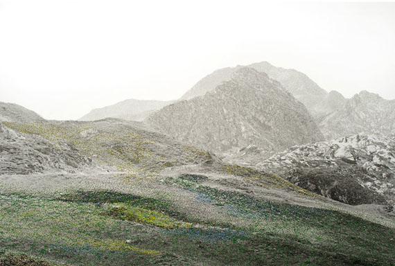 Iris Hutegger: LS-Nr. 1510 - 223, 2015Gelatin silver print, intervention by stitching, Unique