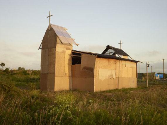 Calais, Eritrees Orthodox Chruch, July 2015 © Henk Wildschut