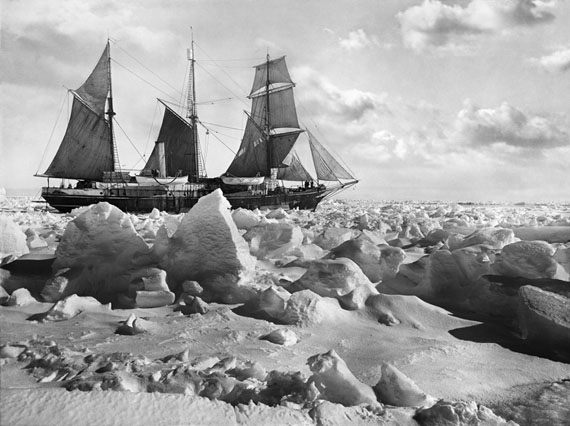 Frank Hurley: Full Sail © Royal Geographical Society (with IBG)