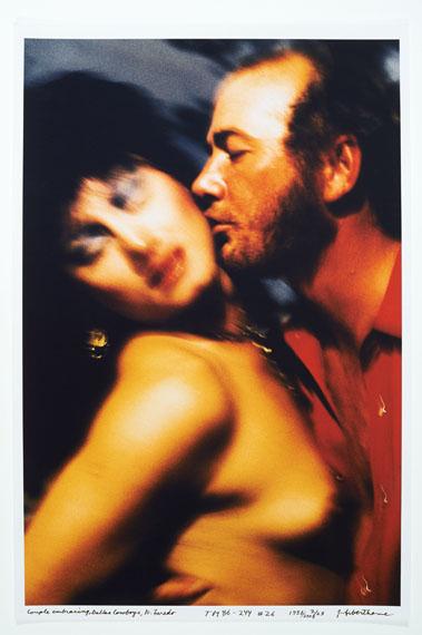 Jeffrey Silverthorne: Kissing, Dallas Cowboys, Nuevo Laredo, Texas-Mexico, 1986 © Jeffrey Silverthorne / Courtesy Kehrer Galerie