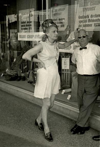 Viktor Kolář.  Toronto. Sales people at noon break, 1970