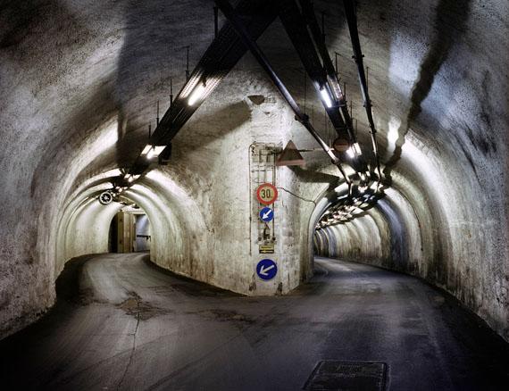 Deutschland (West), Lorch, Versorgungslager der Bundeswehr in einem Atomschutzbunker, Lorch 2008© Martin Roemers