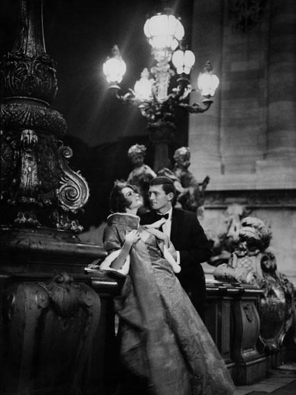 F.C. Gundlach: Karin Mossberg und Karl Fehrmann, Modell Pierre Cardin, Paris 1966