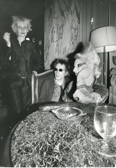 Johnny Rotten, Jordan and Vivienne Westwood, 1976 © Ray Stevenson, Courtesy Rex Shutterstock