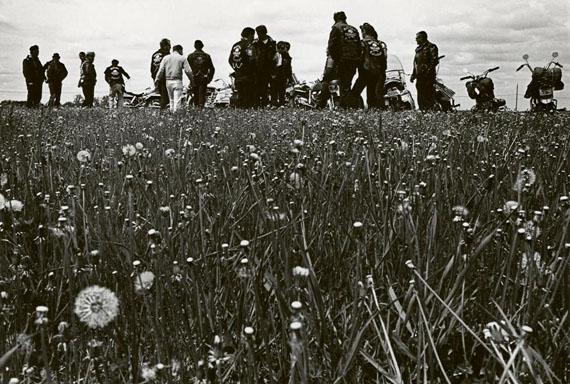 Outlaw Camp, Elkhorn, Wisconsin, 1965-66 © Danny Lyon / Courtesy of Edwynn Houk Gallery, New York & Zürich