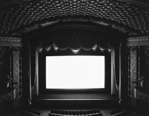 El Capitan, Hollywood, 1993. Gelatin silver print © Hiroshi Sugimoto