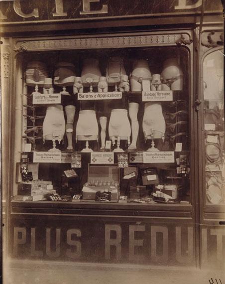 COLLECTION ANDRÉ DERAIN EUGÈNE ATGET (1857–1927)Pharmacie Boulevard de Strasbourg, Paris, 1921Printing-out paper8⅞ x 7 in.€40,000–60,000