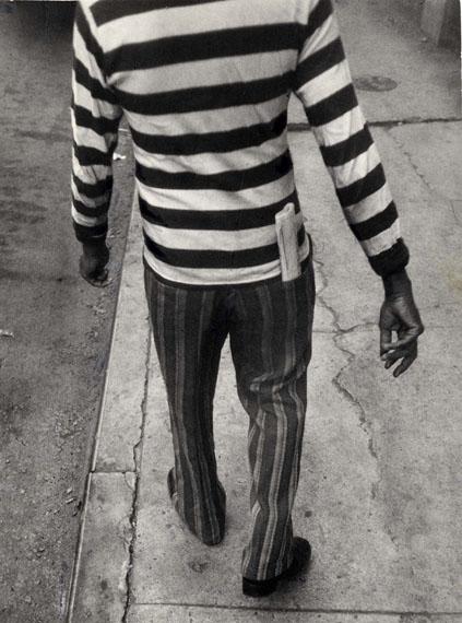 © Leon LevinsteinNYC, c. 1970 Vintage gelatin silver print25.40 x 34.00 cmGalerie Julian Sander