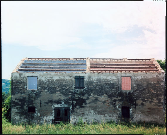 Cesena, 1987 © Guido Guidi, Courtesy of Large Glass, London