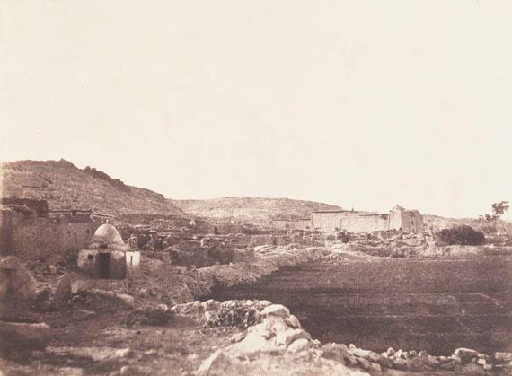 185. John Beasley Greene (1832-1856)Voyage dans la Haute Égypte et la Nubie, janvier-mars 1854. Série des Paysages. Village de Kalabsha (Nubie). P. 18. Salt print from paper negative.