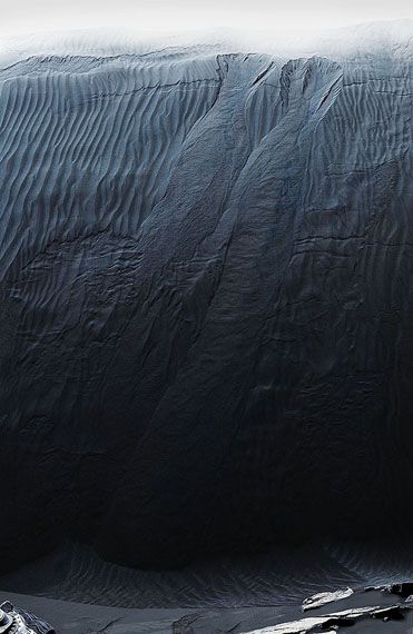 "Michael Najjar: ""waves of mars"", 2016hybrid photography, archival pigment print, diasec, custom-made aluminium frame © Michael Najjar, Courtesy the artist/Sammlung Wemhöner"