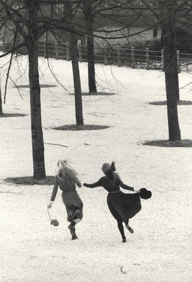 SIBYLLE BERGEMANN (1941-2010)Annette und Angela, Lustgarten, Berlin, 1982gelatin silver print© Nachlass Sibylle Bergemann; Ostkreuz / Courtesy Kicken Berlin and Loock Galerie