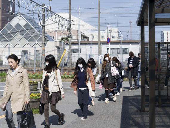 Raoul Ries: Thirty-Six Views of Mount Fuji 11 (Gotenba-eki, Gotemba), 2015-2016